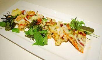 野菜と魚介たっぷりピザ.jpg